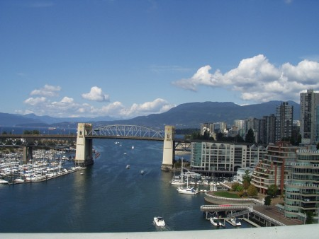 加拿大三座城市被评为五大宜居地,温哥华、多伦多、卡尔加里上榜,图为温哥华美景。(大纪元摄影)