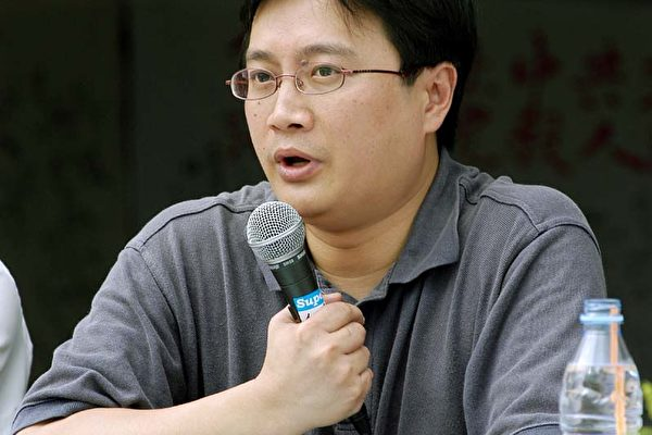 台湾人权促进会会长吴豪人表示,台权会成员均是律师,将全力支持将江泽民绳之以法。(摄影╱记者吴柏桦)