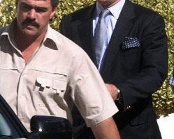 英国前首相柴契尔夫人的儿子马克.柴契尔在南非遭拘捕 (AFP PHOTO 2004-8-25)