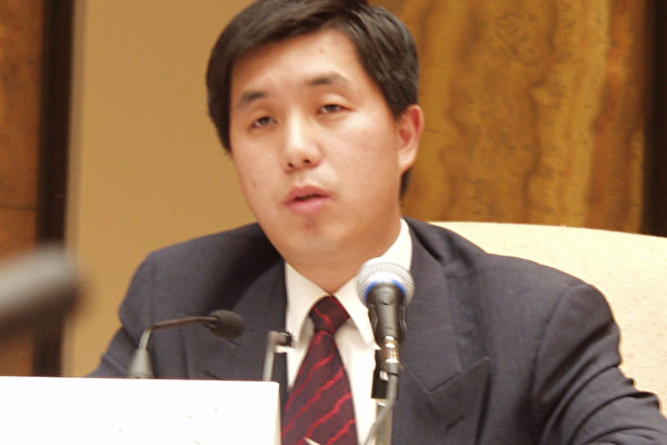 王涛 保卫言论自由人权同盟代表  (大纪元记者摄影)