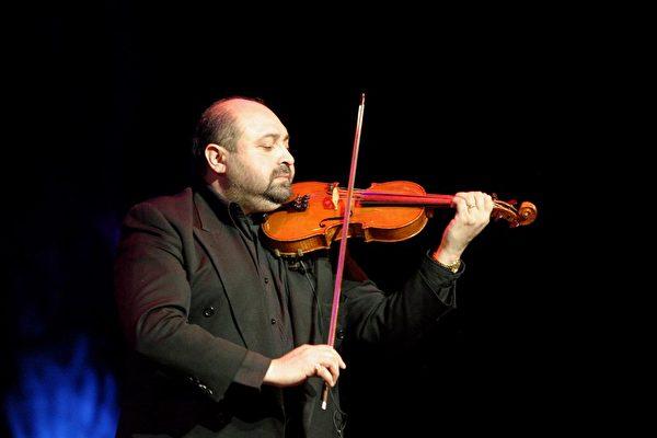 小提琴演奏家Lache Cercel