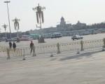 天安門廣場內人民代表的車輛 (大紀元)