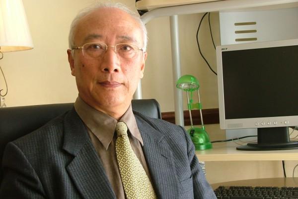 吳葆璋先生在英國倫敦接受《大紀元時報》的專訪。(大紀元)
