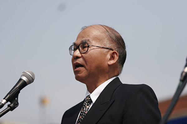 著名的社会活动家黄伟悌教授。