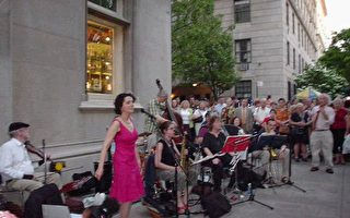 雨文周:夏荫下的纽约博物馆街