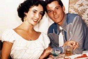 圖片說明:伊麗莎白.泰勒和她頭一任丈夫Conrad Hilton(資料圖片∕AFP)