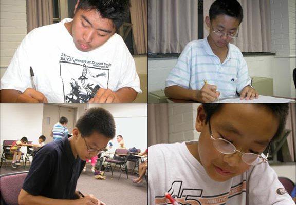 华府明慧学校学生以书信和绘画呼吁美国总统布什帮助营救中国孤儿。(大纪元记者薛槟摄影)