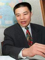 1998年12月,彭明在北京举行的一次记者招待会上 法新社照片