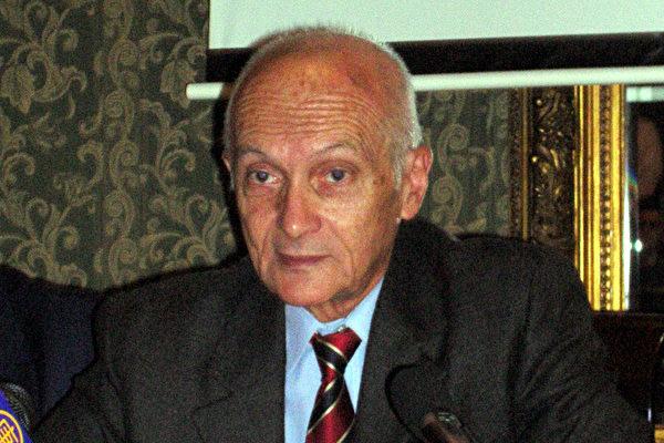 罗马尼亚逃犯记忆国家研究所所长迪努.赞牧菲利斯库先生
