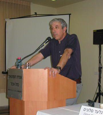 科恩扎维尔博士论述了共产党专制的本质 (大纪元图片)