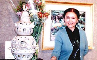 王贞妮和她的得奖作品《神秘的葫芦》(大纪元)