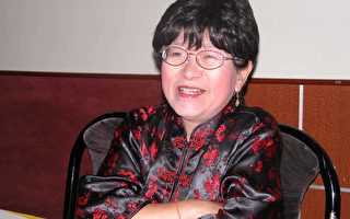 來自台灣的唐宋詩詞歌曲創作家居曉玉,為了能讓更多華裔子弟提高學習唐詩宋詞的興趣,將於12月10日下午2時,在聖蓋博圖書館將以雙語免費教授小朋友歌曲。﹙大紀元記者袁玫攝﹚