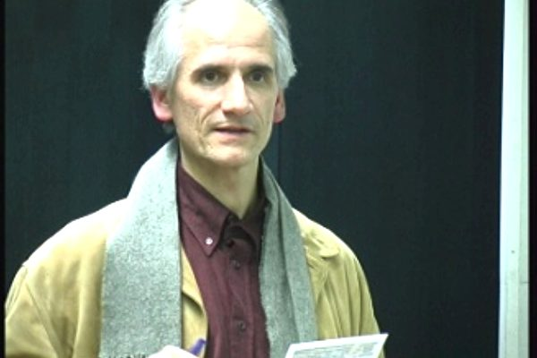 國際人權協會慕尼克發言人緹拉克先生主持會議(大紀元)