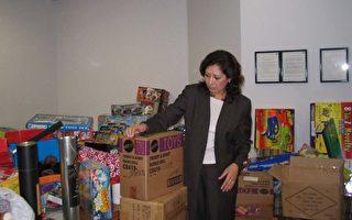 國會議員蘇麗絲發起聖誕玩具捐贈