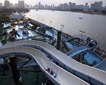 珠江流域的戏水设施(CHINA OUT /Getty Images)