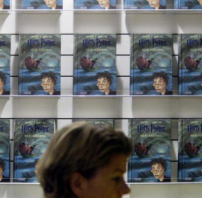 """哈裡波特。哈裡波特的第六卷書,""""哈裡波特和半個王子""""(Harry Potter and the Half-Blood Prince)創出了頭版印刷數量的新紀錄(AFP/Getty Images 2005-10-21)"""