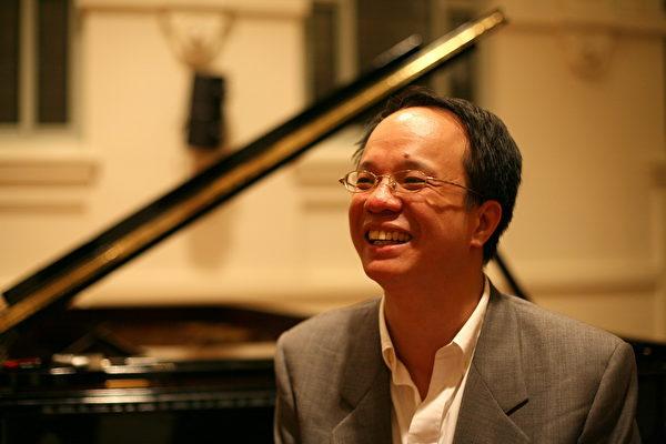 陈瑞斌钢琴独奏会技惊四座 倾倒观众