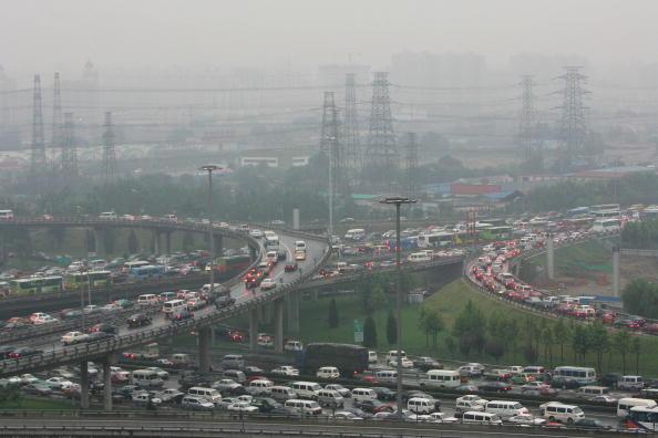 消费高,空气品质差及交通条件显然是造成北京市宜居指数下跌的重要原因。(Getty Images 2005/09/15)