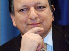 欧盟执委会主席抵日进行高峰会谈