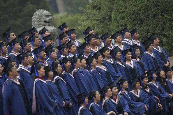 懼學生覺醒 中共邀爭議「網紅」做宣傳被批