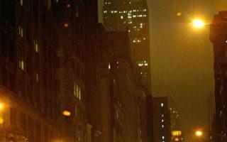 纽约第五大道夜景,全球商业街排名,目前纽约的第五大道居首(Photo by Paul Hawthorne/Getty Images)