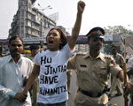胡錦濤訪問印度期間,逃亡印度藏人抗議 (SEBASTIAN D'SOUZA/AFP/Getty Images 2006-11-23)