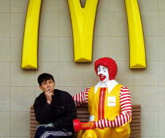 麦当劳(McDonald's)正在谈判出售其中国店面。(Kevin Lee/Getty Images)