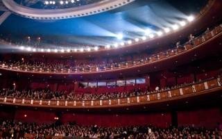 好莱坞华人秀观众6千 影星谴中共干扰