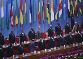 2006年11月,中共邀請48個非洲首腦於北京.(Photo by Andrew Wong/Getty Images)