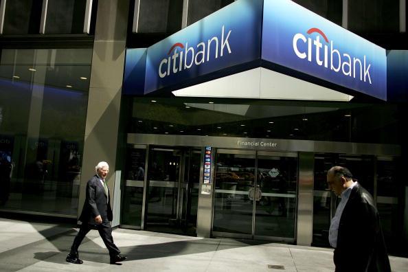 花旗銀行是最新一家對公寓房供過於求的風險越來越高明確表示擔憂的金融機構。(Spencer Platt/Getty Images)