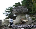 大自然雕塑的女王頭像 (大紀元特約記者一遊攝)