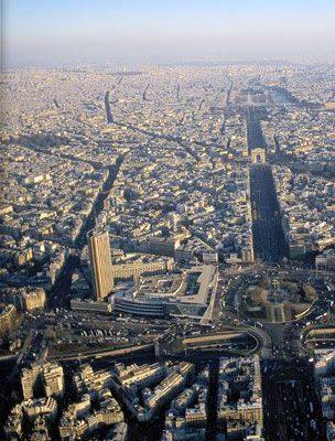 新唐人全球華人新年晚會2月24日在法國巴黎會議中心隆重登場。圖為俯瞰法國巴黎市區。(圖/法國巴黎會議中心網站)