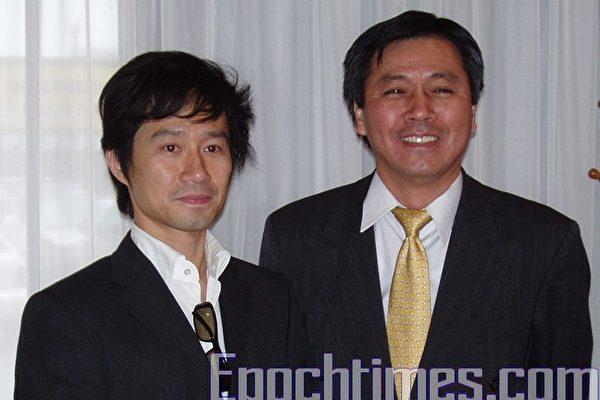 台灣新銳電影導演吳米森(左)與駐休士頓台北經濟文化辦事處新聞組組長李大塊(右)在鳳城酒家的記者會上。(王洋攝影/大紀元)