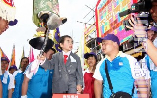 組圖:香港萬人觀看長洲飄色巡遊