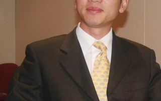前中國駐悉尼領事館外交官陳用林揭中共駐海外使、領館利用和操控中國留學生監視和打擊異議人士(摄影:李佳/大紀元)。