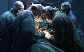 巴勒斯坦Nablus,医生进行胰脏移植 (JAAFAR ASHTIYEH/AFP/Getty Images)