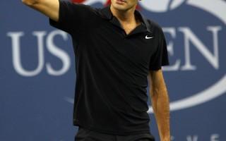 美网头号种子瑞士球王费德勒(Roger Federer)再度展现世界第一的气魄强势晋级四强。(EMMANUEL DUNAND/AFP/Getty Images)