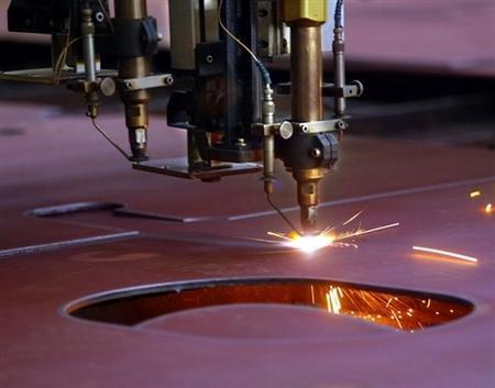 美国总统唐纳德•川普表示,他正在考虑通过实施限额、提高关税等措施,来应对中国钢铁倾销。(法新社)