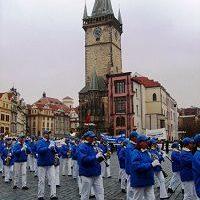 歐洲天國樂團在捷克國慶日遊行