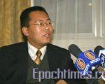 腾彪律师接受采访(摄影:王泓/大纪元)