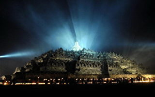 世界上最大的佛塔群 印尼婆罗佛塔(Tarko SUDIARNO/AFP/Getty Images)