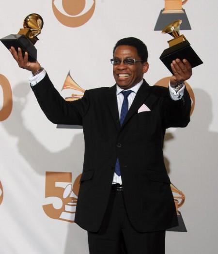 年度最佳專輯落入賀比漢考克 Herbie Hancock 的手中。(圖/Getty Images)