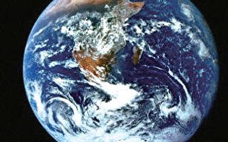 全球暖化所带来的影响:倘若在未来的10年内,全球都没有对此做出任何的努力改善的话,许多物种就会面临灭绝命运,地球也变得不适合于人类居住了。(法新社)