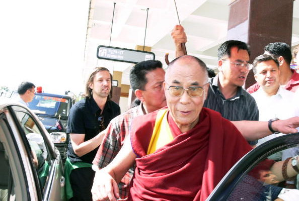 中共官方新华网证实,中共已经准备跟达赖喇嘛谈判。(图/STR/AFP/Getty Images)