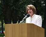 美國國會眾議院議長南希‧佩洛西在集會上演講。(亦平攝影/大紀元)
