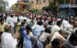 喜马偕尔省奈纳德维女神殿发生践踏惨剧。(法新社)