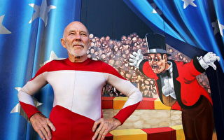 73岁马戏团演员表演摇竿特技(图片来源:Getty Images)