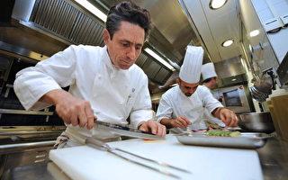 正確使用廚具對人們健康有益處。(BORIS HORVAT/AFP/Getty Images)
