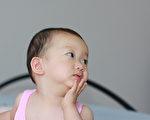 妒嫉与生俱来?宝宝三个月大就会