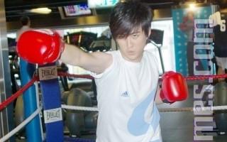 黃靖倫「瘦」不了  為首場簽唱進健身房特訓